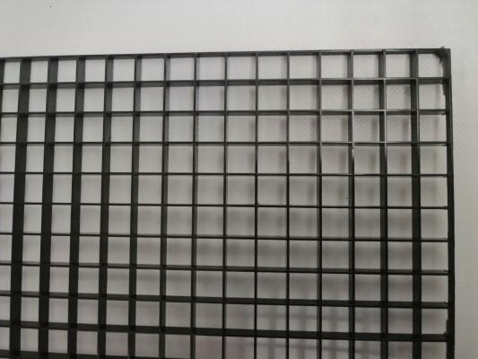 Lichtrasterplatte schwarz15 x15 x 8mm